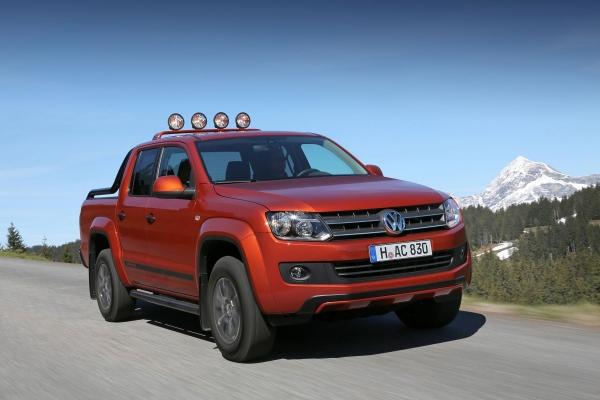 Volkswagen показывает модели Amarok Caddy Canyon и Креста