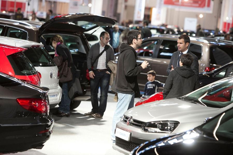 바르셀로나에있는 중고 차량 2012보기
