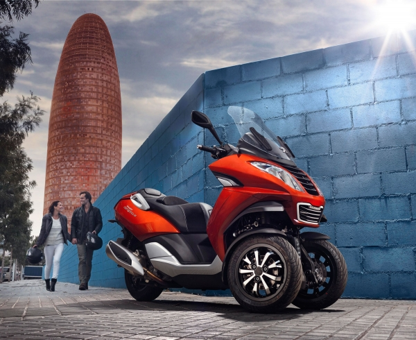 Spain reaches Metropolis, the three-wheeled scooter Peugeot
