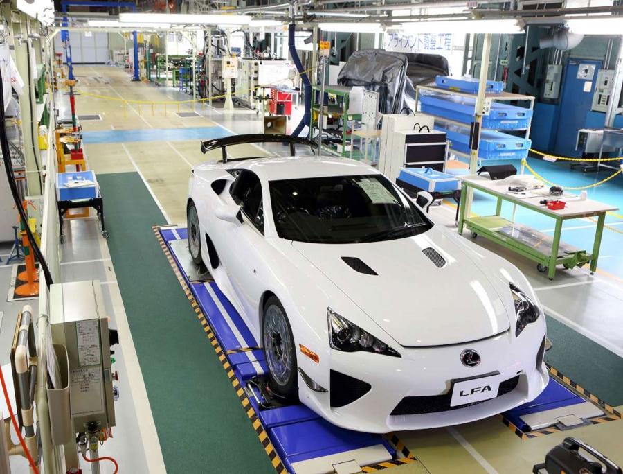 Lexus LFA rejette
