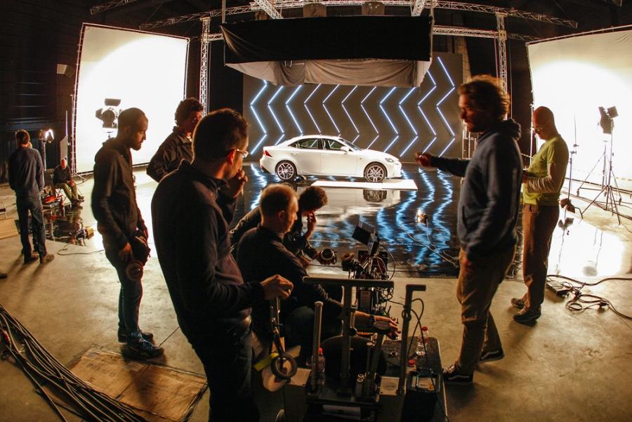 A rendező a Top Gear kerék Barcelonában az új Lexus IS spot 300h