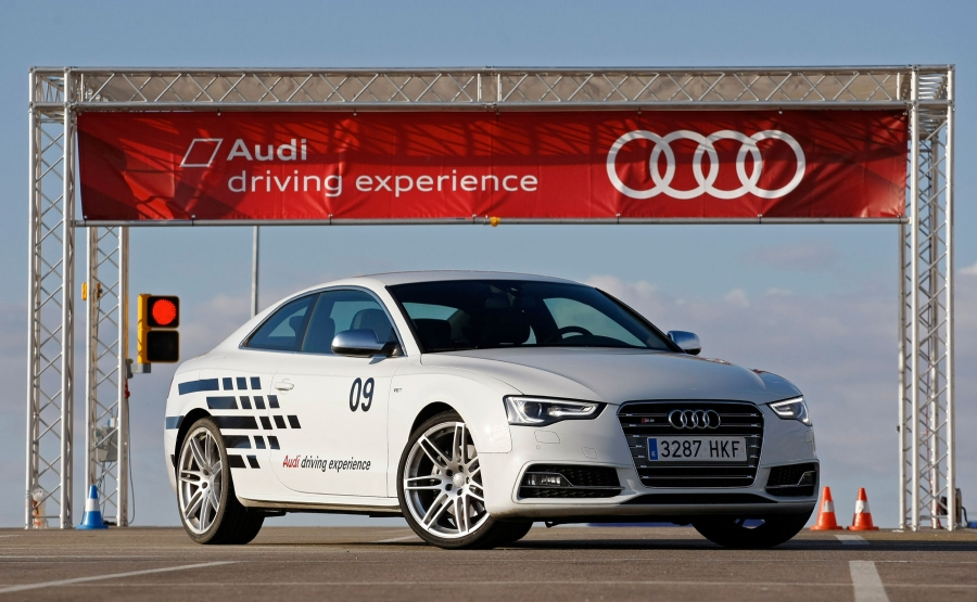 Driving courses begin Audi driving experience on tarmac