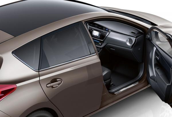 टोयोटा Auris के लिए उपकरणों की नई रेंज