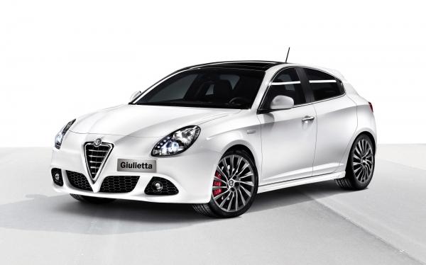 Alfa Romeo s'adapte également sa gamme de planifier Pive