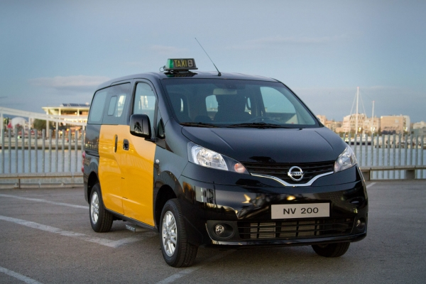 NV200 को बिजली टैक्सियों धन्यवाद रिलीज करने के लिए बार्सिलोना के लिए तैयार