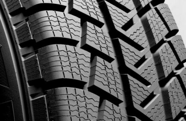 आयोजित जागरूकता का प्रयोग शीतकालीन टायर के दिवस