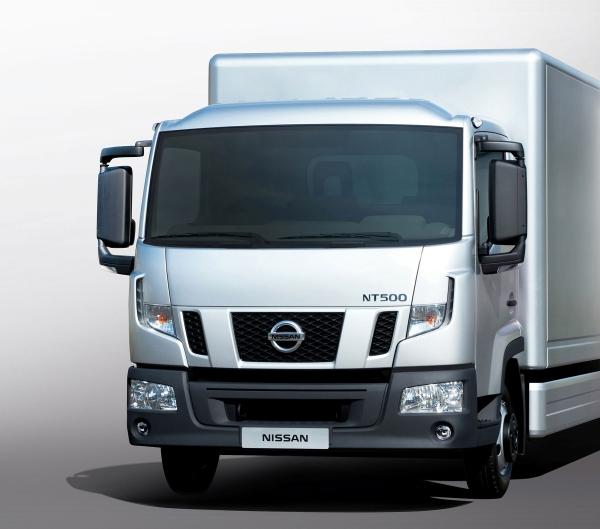 Neue Nissan LKW NT 500