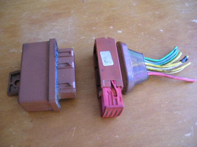 connecteur et double relais de pompe huile p306 hdi forums m caniques. Black Bedroom Furniture Sets. Home Design Ideas